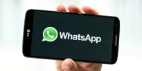 whatsapp-instant-messenger-logo-smart-phone-hand