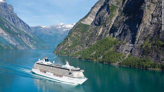 151210191551-2-crystal-serenity-luxury-round-the-world-cruises-exlarge-169