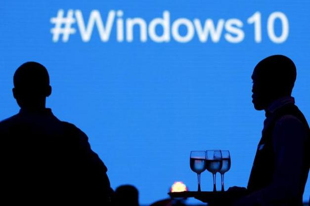 windows10-171215_reuters