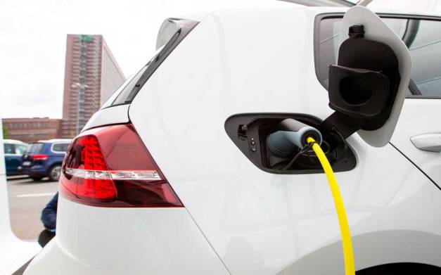 auto_electrico_reuters