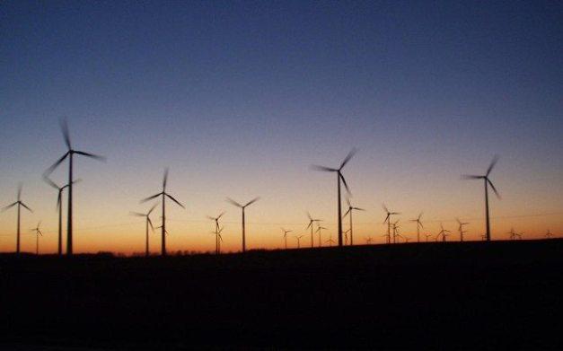 Wikipedia-energia-eolica-640x400