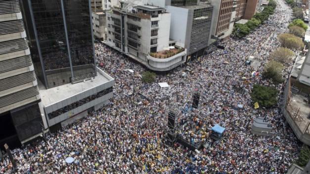 170412184031-05-venezuela-protest-0408-full-1691